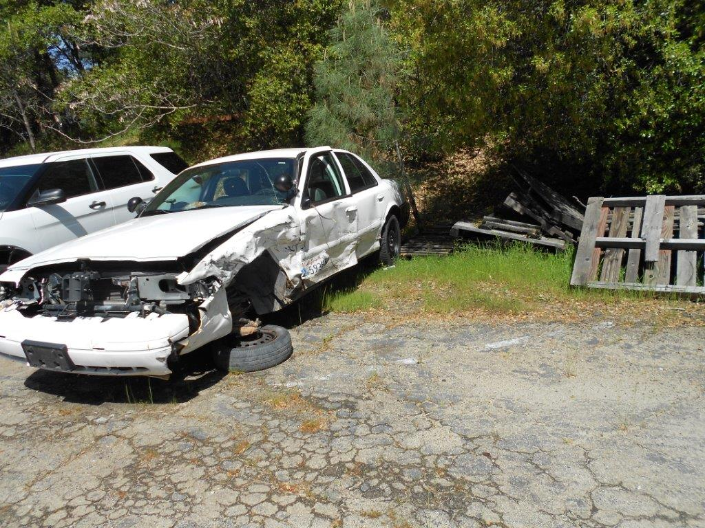 2008 Ford Crown Vic	Wrecked-Parts Only